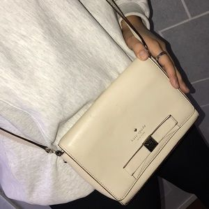 Kate Spade Cream Crossbody Bag Purse✨